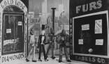 "Tina Modotti. Marionetas de ""El mono peludo"". (1929)"
