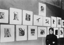 Anónimo. Tina Modotti en su exhibicón de fotografías (1929)