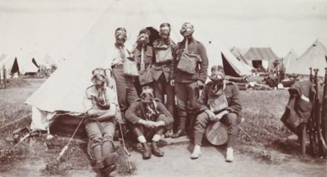 british-soldiers-wearing-gasmasks