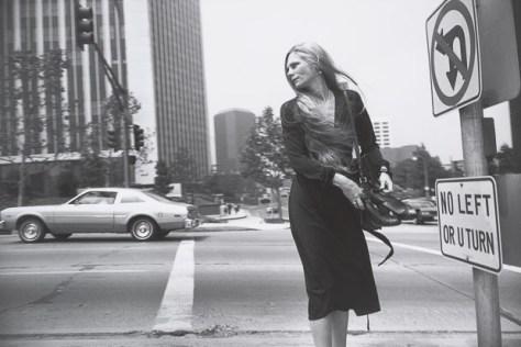 Garry Winogrand, Los Angeles, ca. 1980–83. © Estate of Garry Winogrand and courtesy Fraenkel Gallery, San Francisco_Garry_Winogrand_Women_Are_Beautiful_47
