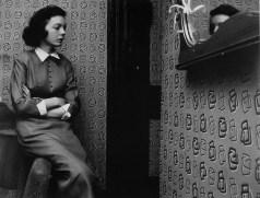 Winogrand_New-York_1954_Black-Dog-Collection_Garry_Winogrand_Women_Are_Beautiful_24