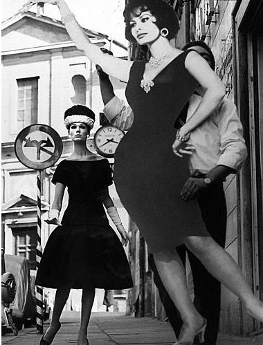 SimoneandSofiaLorenRomeVogue1960