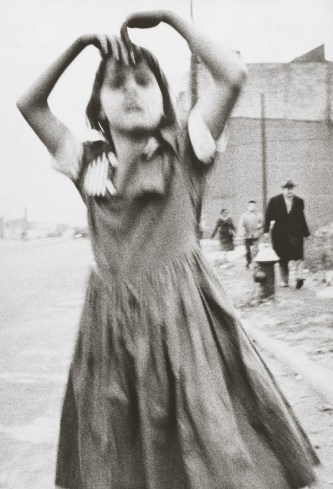 streets_dancing_william_klein