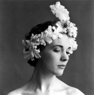 cecil_beaton_julie_andrews_3