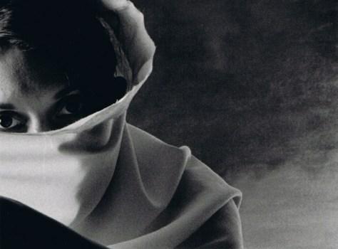 "Leonard Nimoy. 68-38 de la serie ""Eye Contact."""