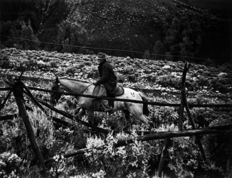USA. Colorado. 1948. Dr. Ernest Guy CERIANI, a country doctor (aged 32), going to visit his patients by horseback. He takes care of all the people in Kremmling and in the 400 miles surrounding the town.