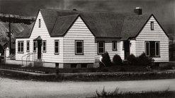 Un comité de recaudación de fondos en Kremmling fue capaz de recaudar $35.000 dólares en 1947 para comprar la casa del médico retirado de la ciudad y convertirlo en un hospital de 14 camas. Los fondos se utilizaron para equipar el pequeño hospital tanto como fue posible -en algunos casos con excedentes de guerra- que pudieran obtenerse. El hospital Middle Park tenía sólo tres salas que podrían acomodar a 14 pacientes. Con un nuevo hospital en el lugar, la ciudad entonces convocó a un nuevo médico general - una llamada contestada por el Dr. Ceriani.
