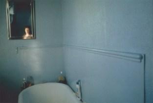 Autorretrato en el baño azul. Londres, 1980