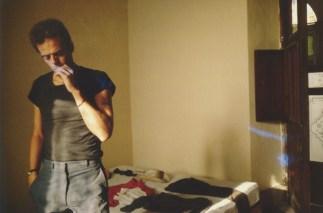 Brian en el cuarto de hotel. Mérida, México. 1982