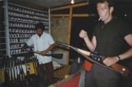 Brian en una galería de tiro. Mérida, México, 1982