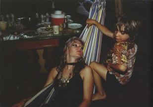 Cookie y Max en una hamaca. Provincetwon, Massachusetts, 1977