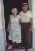 Pareja mexicana una smenaa antes de su segundo divorcio. Progreso, Yucatán, México. 1981