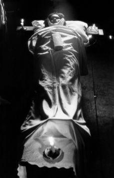 """Gordon Parks. De la serie """"Flávio"""". Río de Janeiro, Brasil (1961)"""