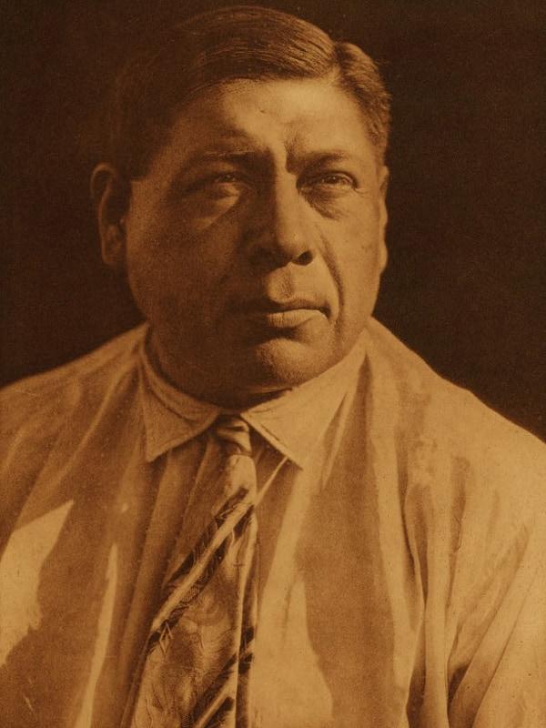 Curtis evitaba retratar a los indígenas en ropas que no fueran las tradicionales.