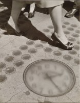 Ida Wyman. Sidewalk Clock, New York, 1947