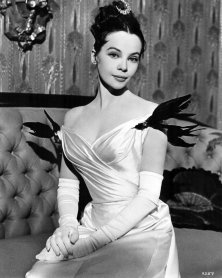 cecil_beaton_leslie_caron_as_gigi_1958