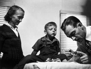 USA. Colorado. 1948. Dr. Ernest Guy CERIANI (on the right), a country doctor (aged 32), takes care of all the people in the town of Kremmling and in the 400 miles surrounding the town.