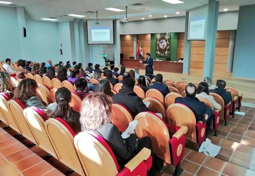 CACERES ponencia OSCAR LEON FERNANDEZ