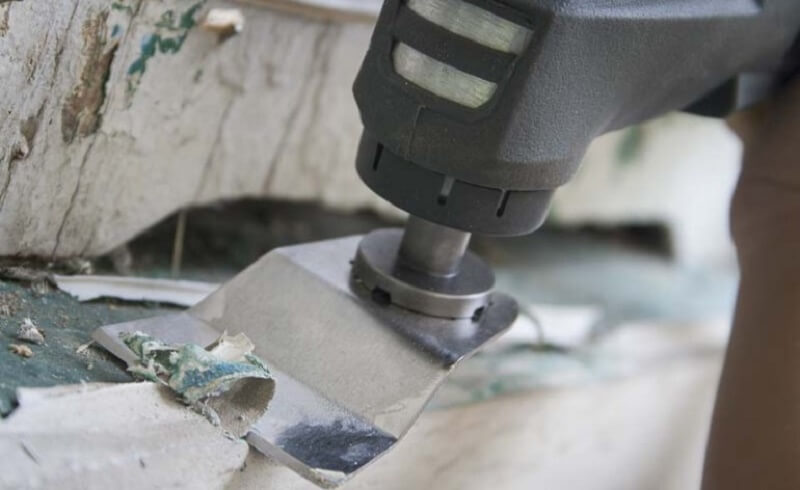 Remove Old Paint using an oscilllating tool