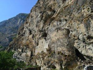 Дзивгис скальная крепость