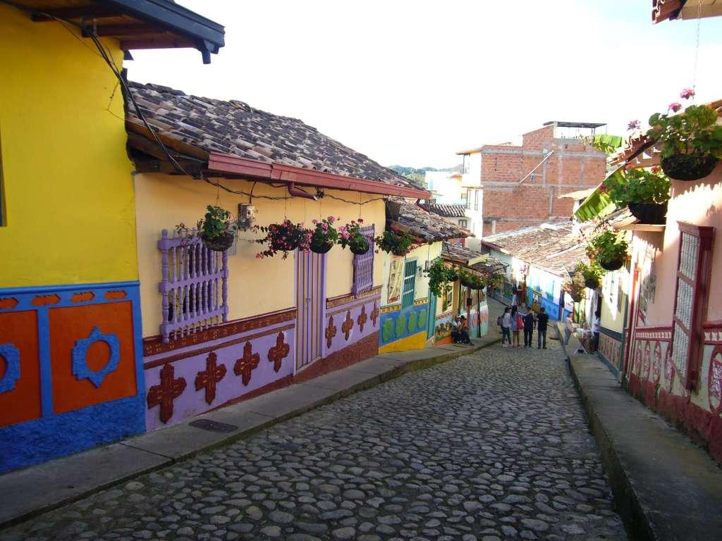 voyager seule en Colombie Guatapé