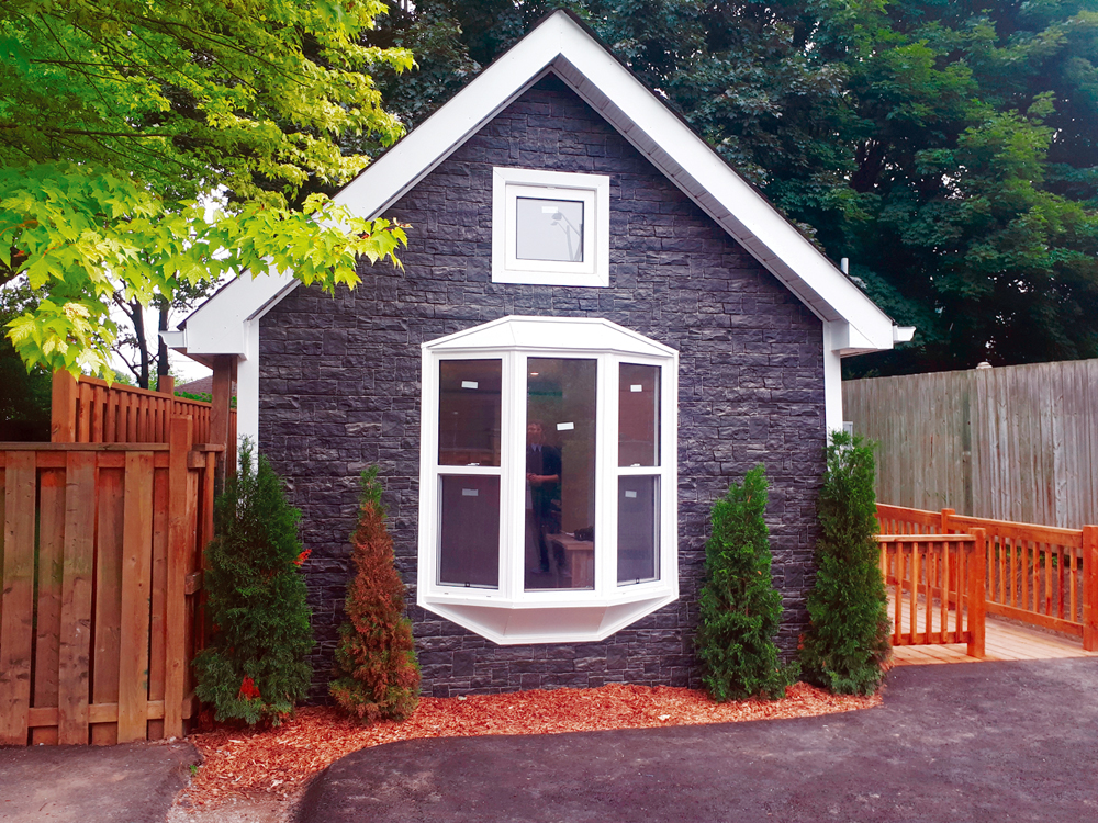 Fantastic The Story Of Oshawas Tiniest House The Oshawa Express Download Free Architecture Designs Rallybritishbridgeorg