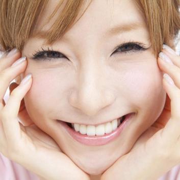 笑顔や甘えだけじゃない!?男心をくすぐるかわいい女性の特徴