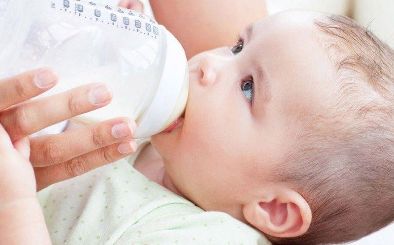 lactancia-materna-o-biberon-2