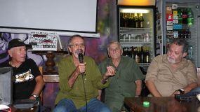 Fala Geraldo Sardinha, ex-fundador do PCBR e ex-integrante dos Tupamaros uruguaios. Ao seu lado Rafael Martinell e Paulo Gomes Neto