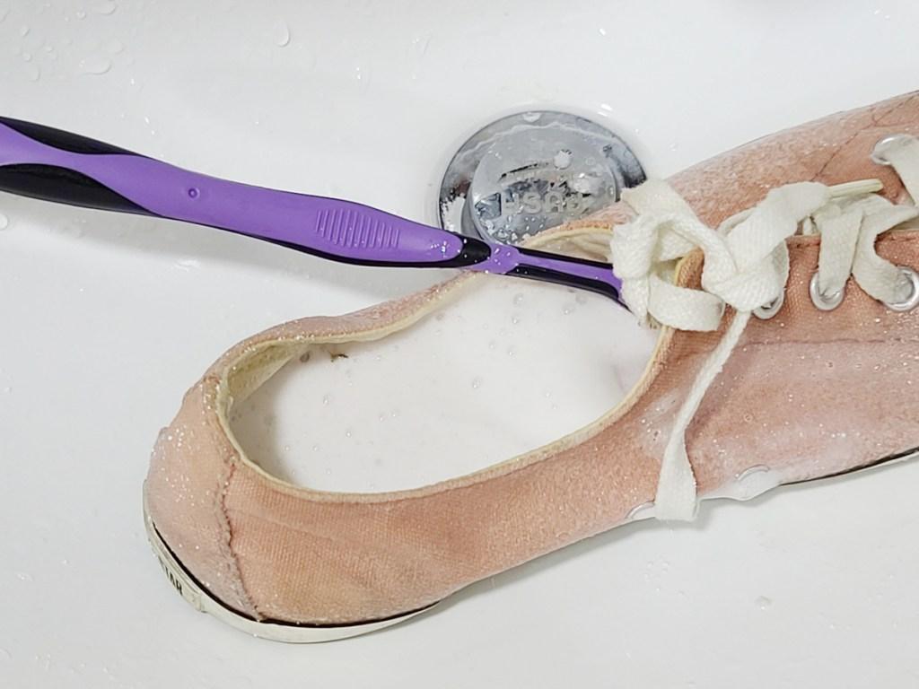신발 냄새 제거하는 꿀팁,거품대박