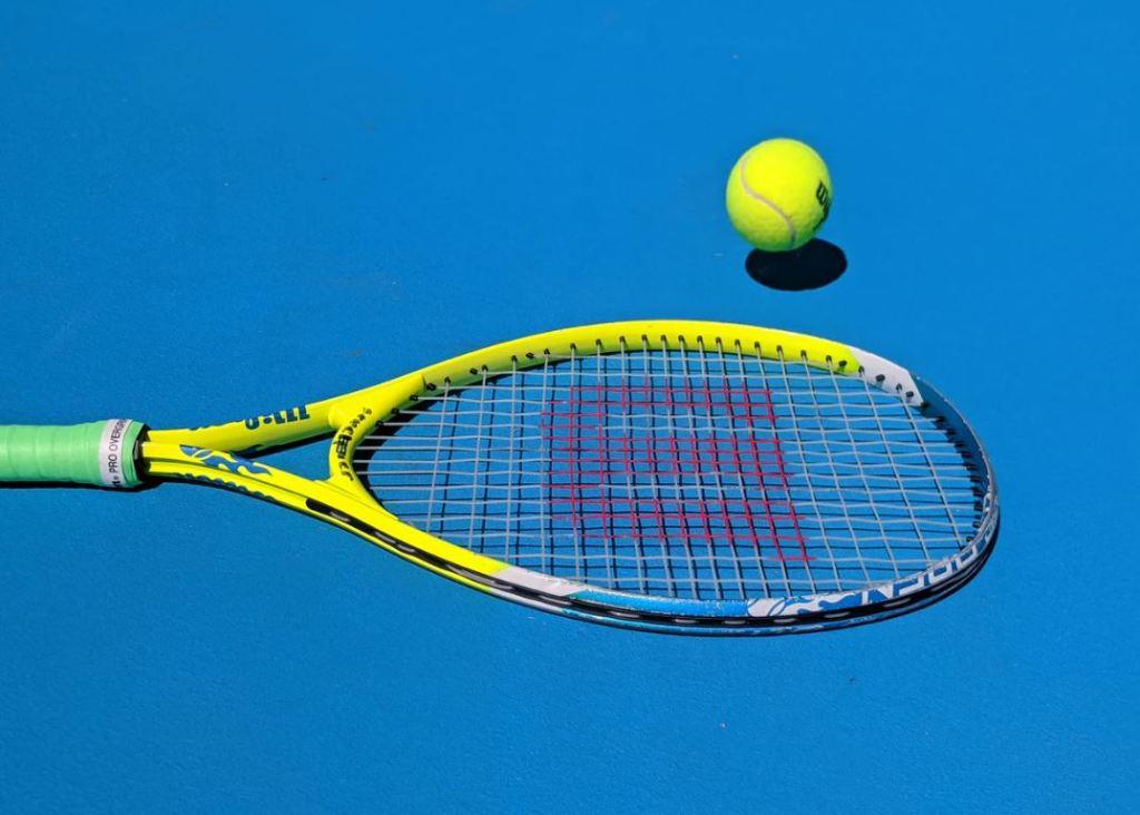 테니스(Tennis) ENTJ 체계적이고 계획적인 성격이기 때문에 1:1로 승부보는 테니스 대결이 적합하다
