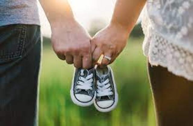 나중을 위해 큰 신발 구입은 금물. 아이가 걸을 때 편하고 발의 형태를 망가뜨리지 않는 맞는 사이즈 선택하기