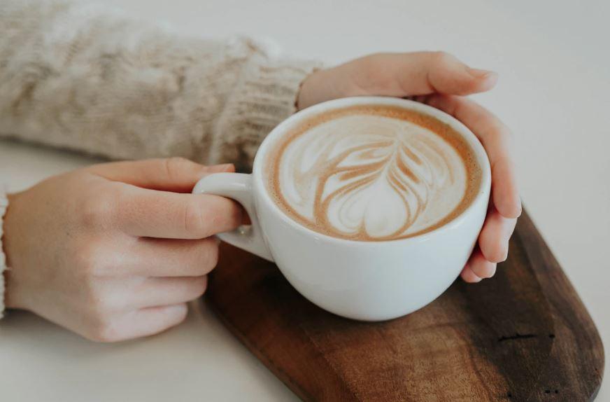 카페인은 우울할때 좋지않다