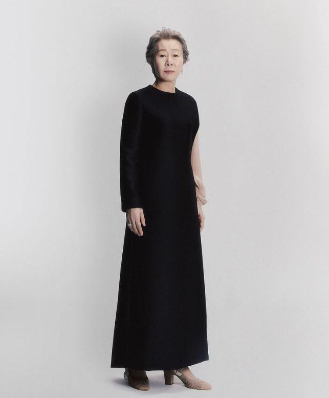 윤여정 패션 제74회 영국 아카데미 디올 블랙 드레스