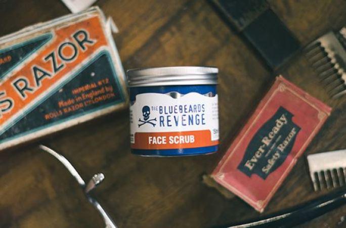 름철 피부관리 넓어진 모공과 피지관리 블루비어드리벤지 - 브라이트닝 페이스 스크럽
