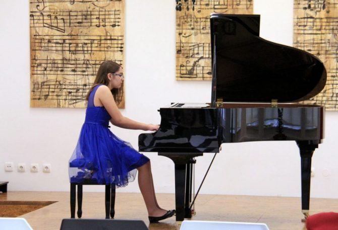 Klavirska rapsodija u glazbenoj školi