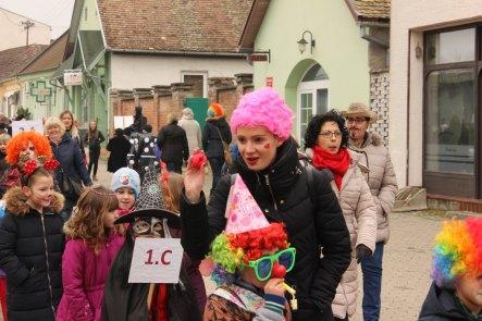 dan_pod_maskama_karneval_2018021011221469