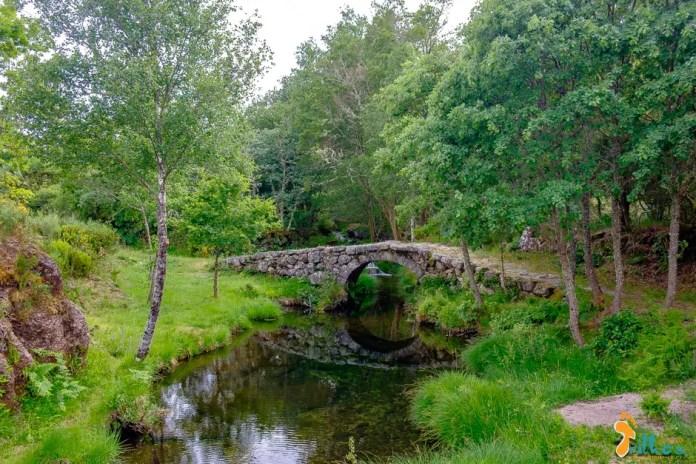 Ponte Romana de Dorna, em Castro Laboreiro © osmeustrilhos.pt