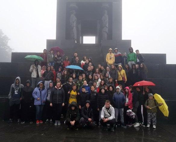 Kod spomenika Neznanom junaku