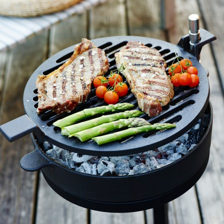 Morso cast iron barbecue grill on stand - Grill 71
