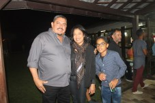 Célio da Pousada Morada do Sol acompanhado de sua esposa Luzar Oliveira e seu filho João Pedro no Primeira Cabrália Moto Show;