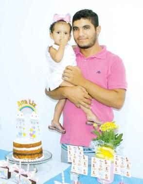 Ana Liz comemora seu primeiro aninho com seu tio Luan Cardoso, técnico e consultor da Tecnologia da Informação (TI)