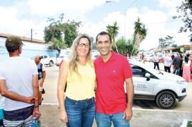O secretário de Comunicação da Prefeitura de Porto Seguro, Cezar Aguiar, com sua esposa Eva Braga, na visita do governador Rui Costa em Eunápolis para assinar ordens de serviços