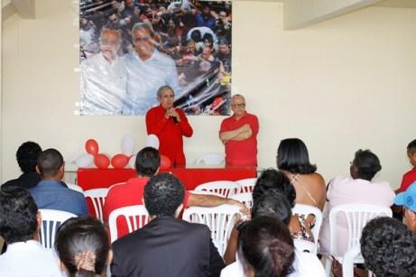 Dr. João Bosco discursando para o público