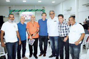 O professor Lindonjohnson, o empresário Antônio Colorsul, o proprietário da Ceolin Fiat, José Dadalto, o pré-candidato a deputado federal, Caio Checon, o empresário José Cardoso e o proprietário da AB Informática, Adilmo Buzatto