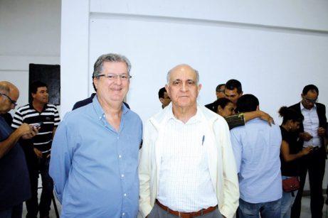 O pré-candidato ao senado, Jutahy Magalhães, e o ex-governador da Bahia, Paulo Souto, no encontro de lideranças políticas em Teixeira de Freitas
