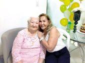 Dona Cesar com sua primeira filha, Lídia Maria