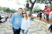O advogado Márcio Macedo e sua esposa, a diretora da Policlínica Regional de Saúde Lizandra Amim, na visita de Rui Costa em Teixeira de Freitas