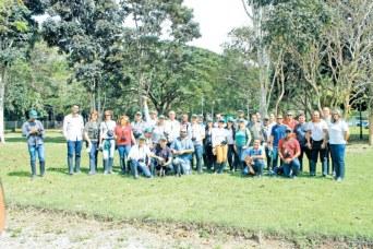 Os profissionais de imprensa do Extremo Sul da Bahia na Veracel, em Eunápolis