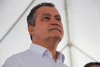 O governador Rui Costa em visita a Medeiros Neto. Foto: Arquivo/OSollo